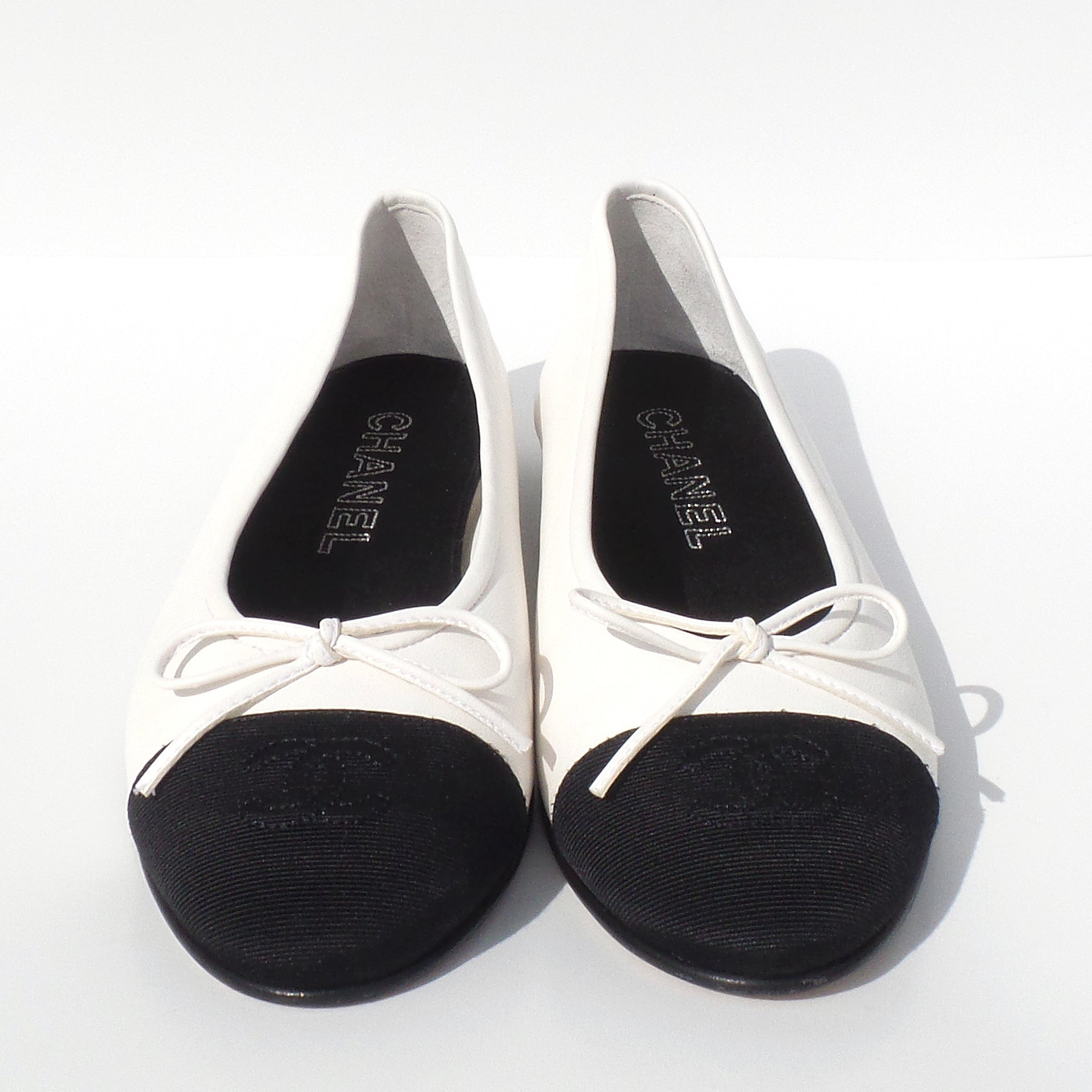 'Sold' CHANEL White Leather Black Grosgrain CC Bow Cap Toe Ballet Flats Ballerinas 38