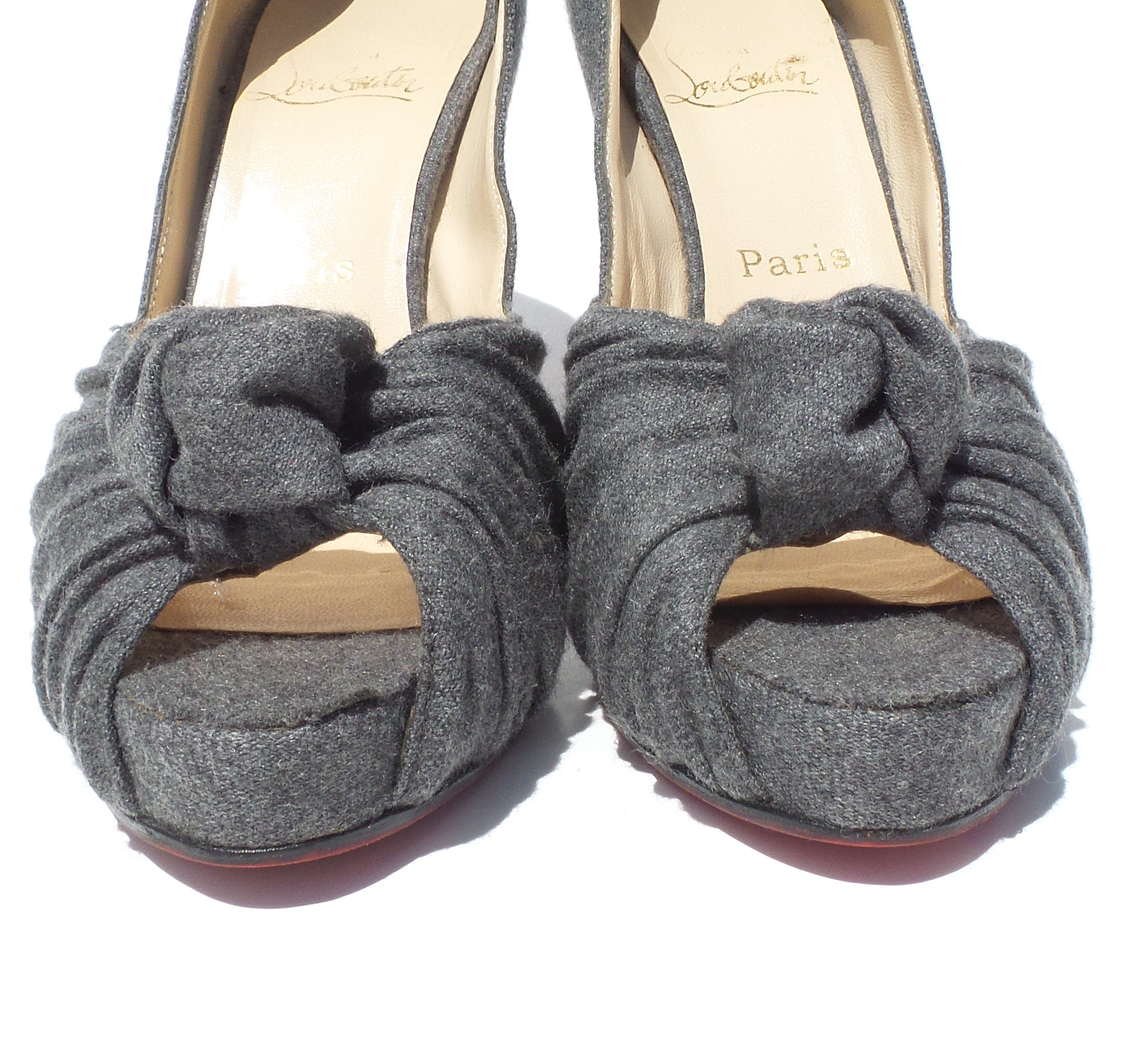 CHRISTIAN LOUBOUTIN Gray Flannel Lady Gres Twist Knot Peep Toe Platform Pumps 39