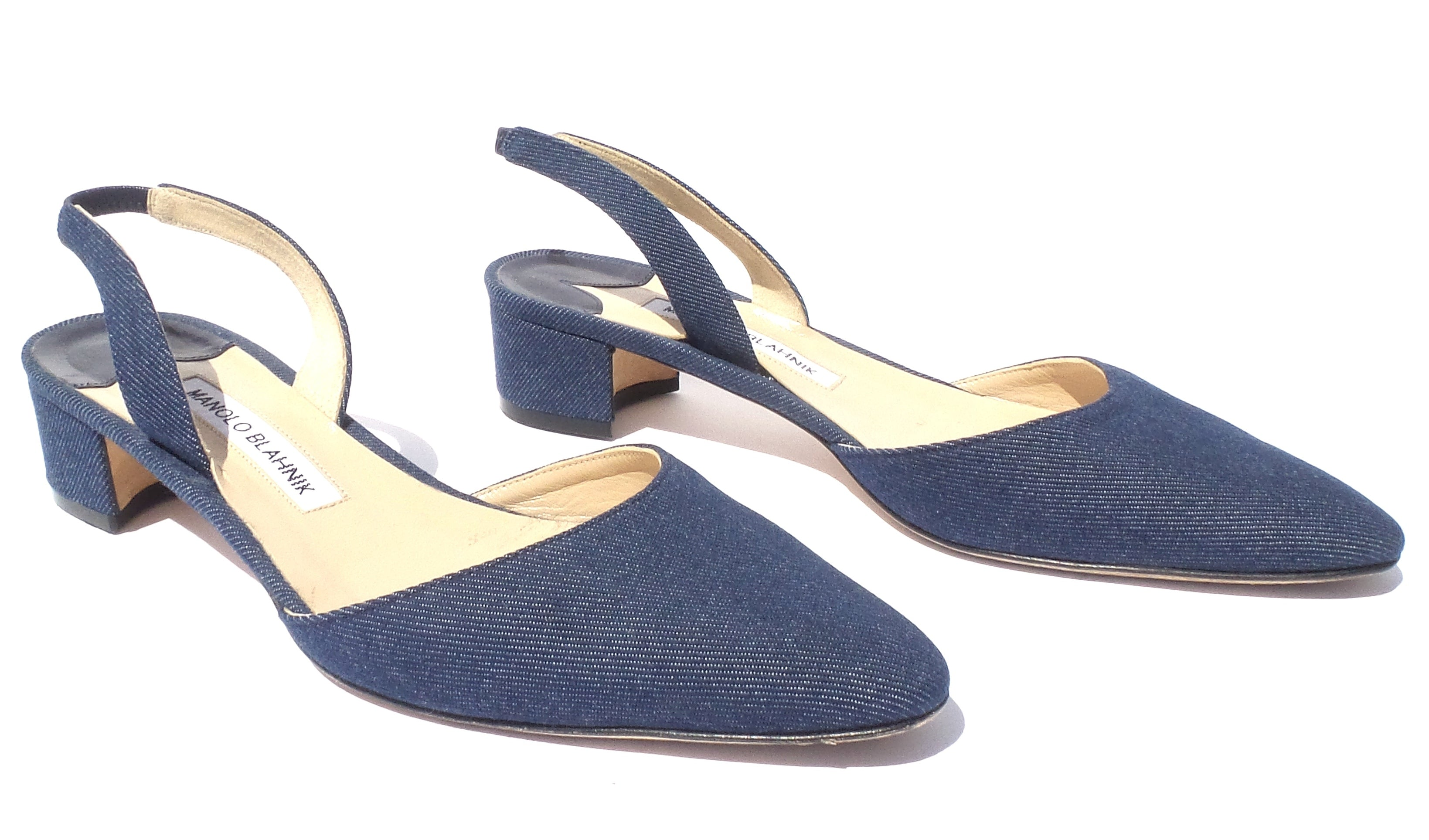 MANOLO BLAHNIK Aspro Blue Denim Almond Toe Low Block Heel Slingbacks Pumps 39 GC