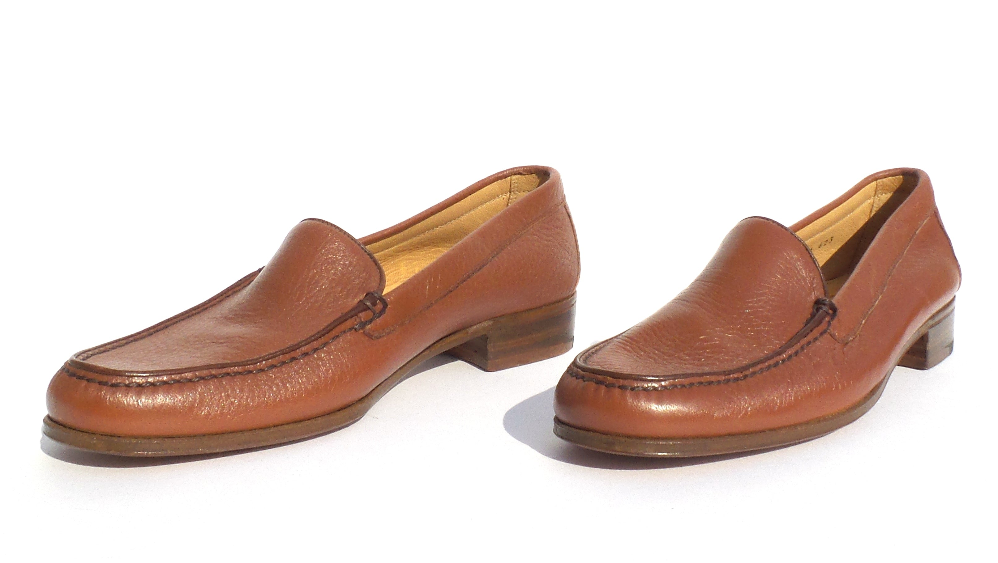 GRAVATI Cognac Brown Leather Round Toe Moccasin Loafers Flats Italy 7 M 3168 GUC