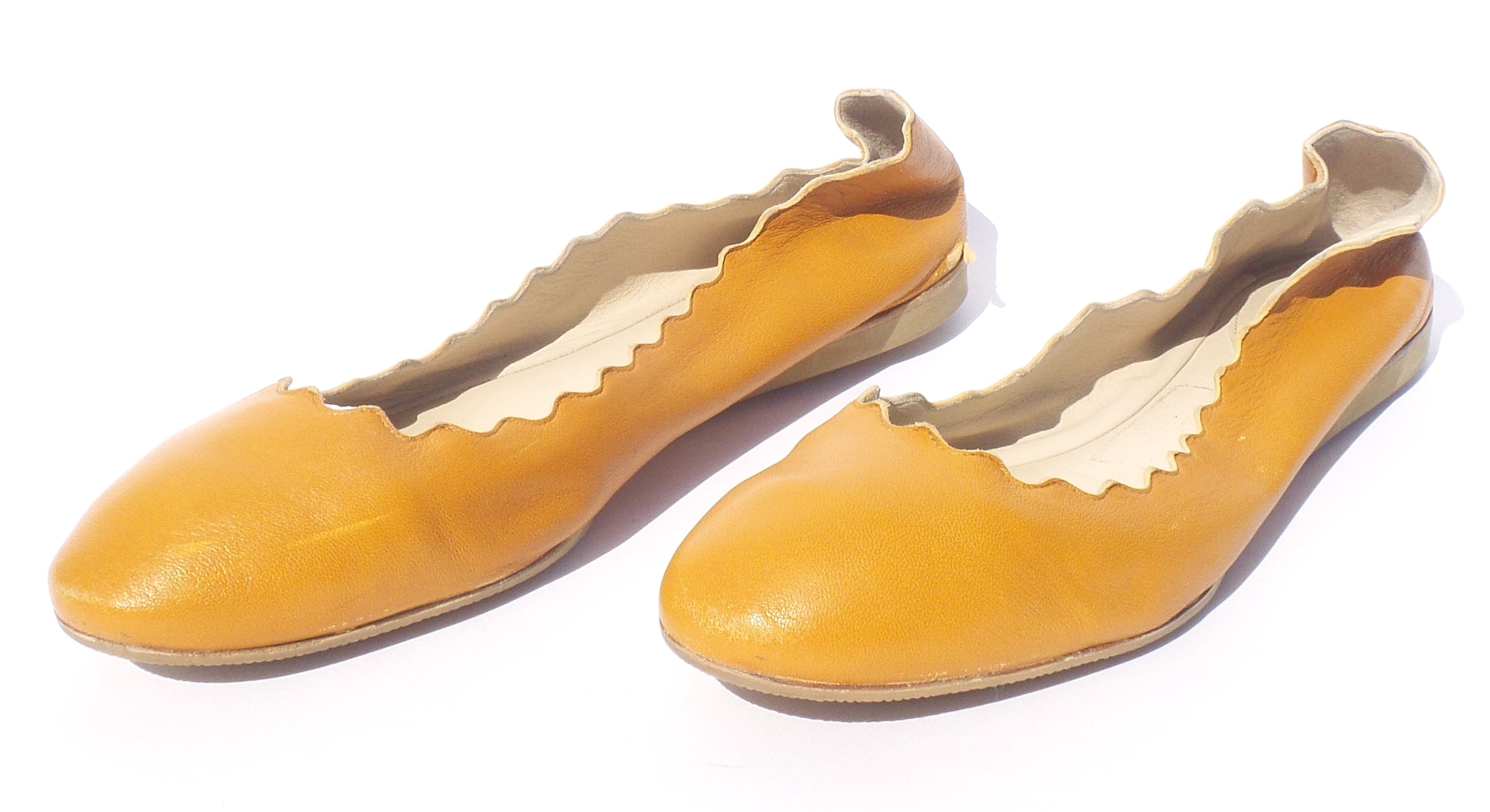 CHLOE Lauren Caramel Honey Camel Tan Leather Scalloped Ballet Flats 38.5 39 FC