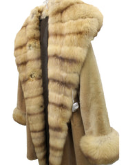 J. Mendel Sable and Beaver Fur Reversible Coat w/Hood (Size M) - Encore Consignment - 2