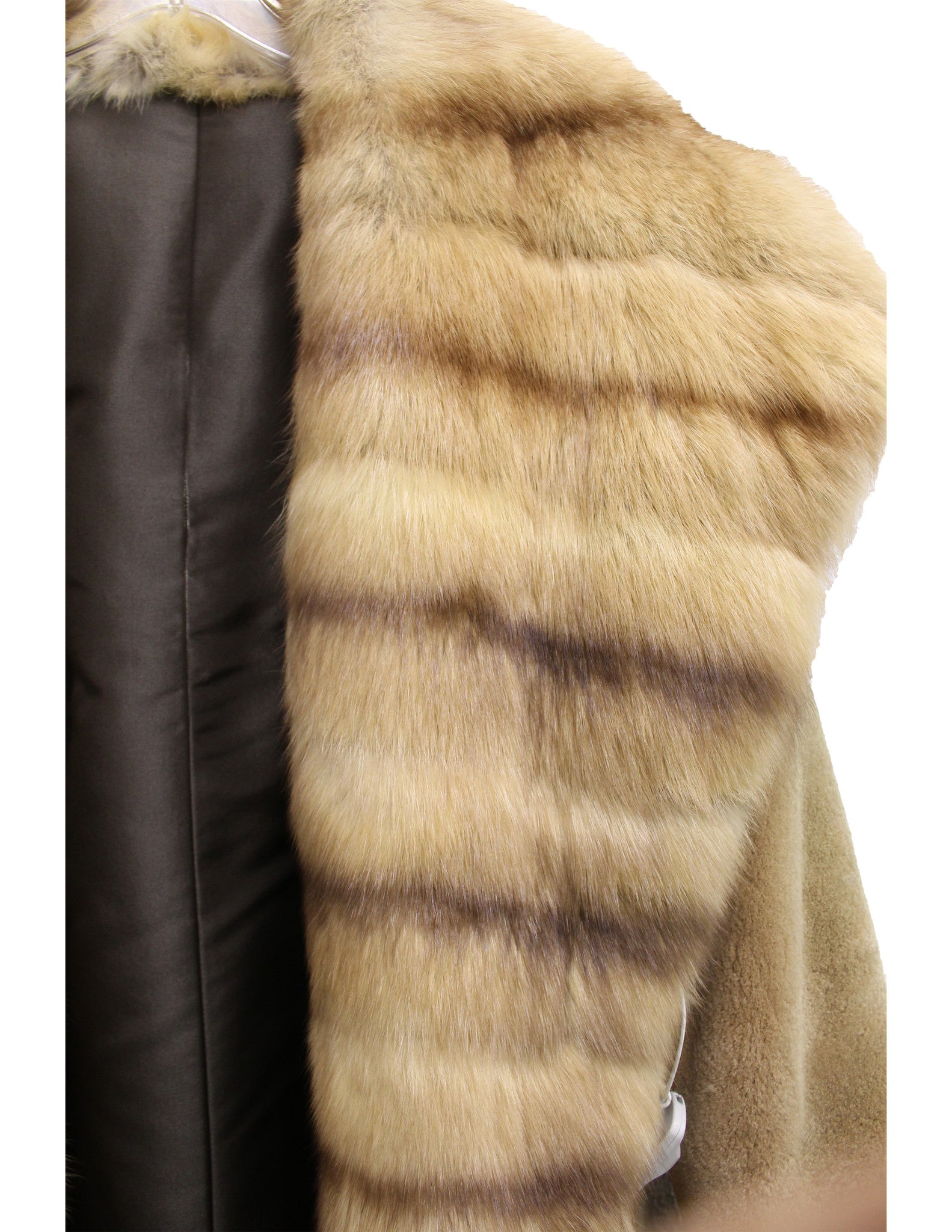 J. Mendel Sable and Beaver Fur Reversible Coat w/Hood (Size M) - Encore Consignment - 6