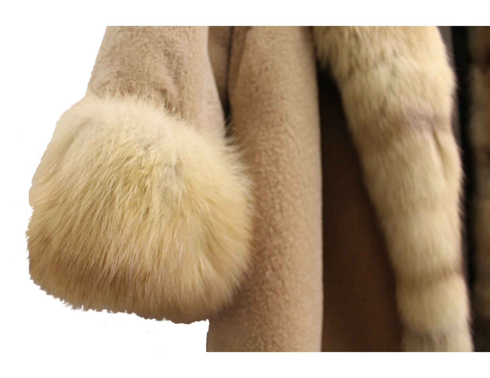 J. Mendel Sable and Beaver Fur Reversible Coat w/Hood (Size M) - Encore Consignment - 7