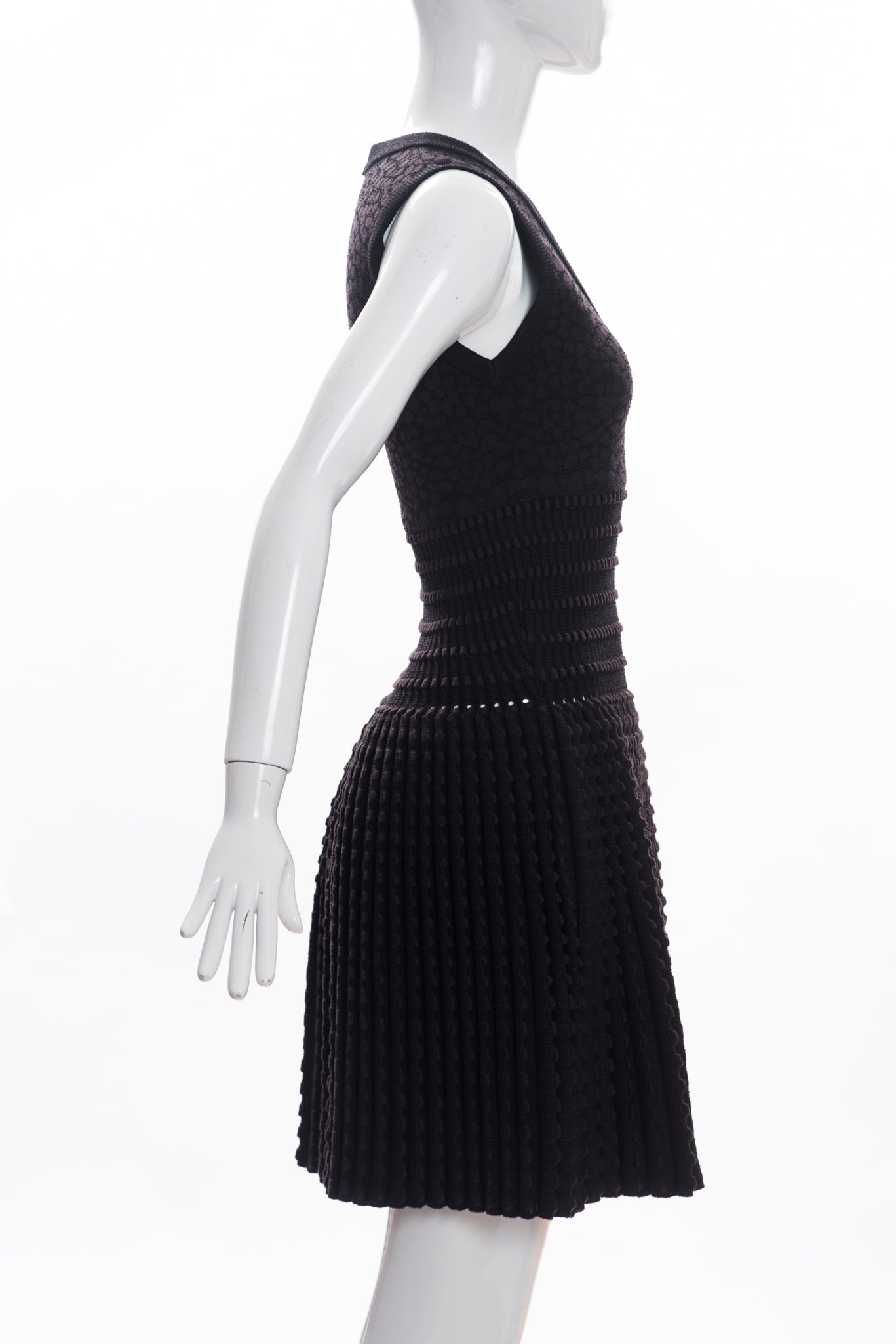 672be2dbdf4 ALAÏA Black Brown Sleeveless V Neck Fit and Flare Fleece Wool Blend Dress 38