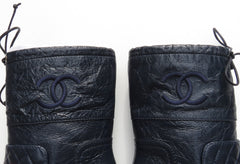 'Sold' CHANEL18B Navy Blue Quilted Crinkled Leather Black Cap Toe Drawstring Boots 38