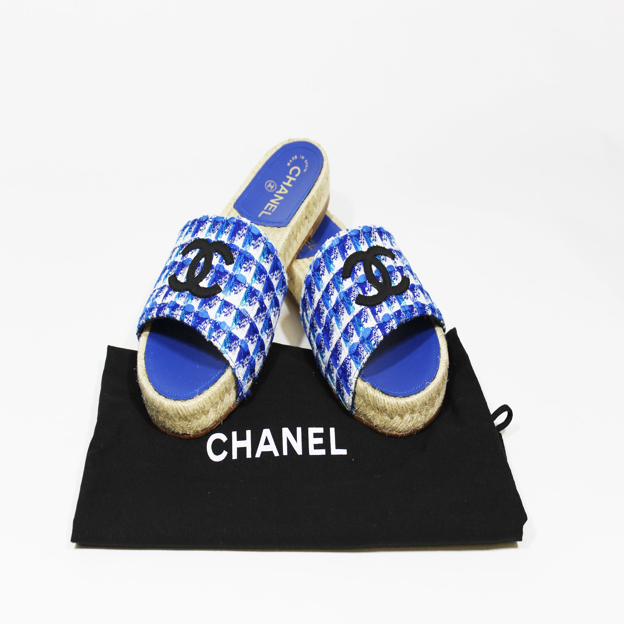 CHANEL 2018 Blue Tweed And Grosgrain Espadrille Black CC Mule Sandals 37