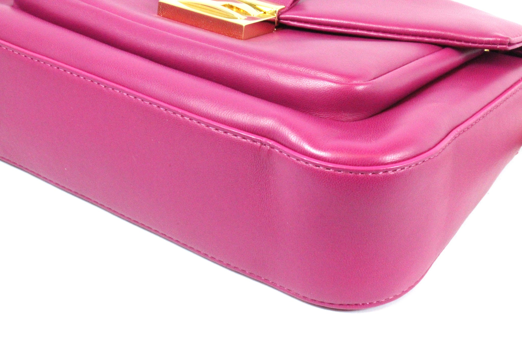 cd7037c1 Fendi Cyclamen Pink Leather Logo Buckle 'Be Baguette' Bag