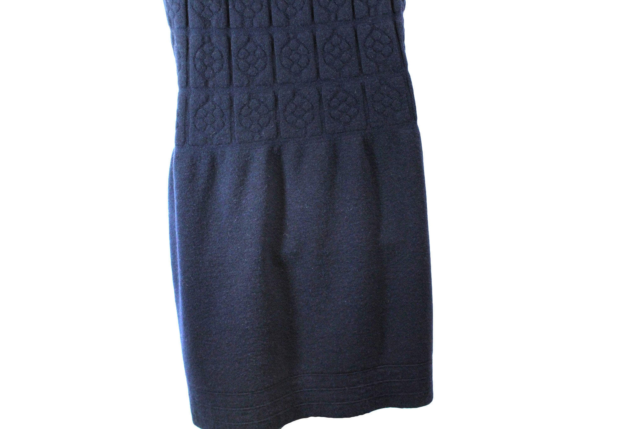 Chanel Sleeveless Navy Dress w/ Floral Grid & Sequin Detail (Size 40) - Encore Consignment - 4