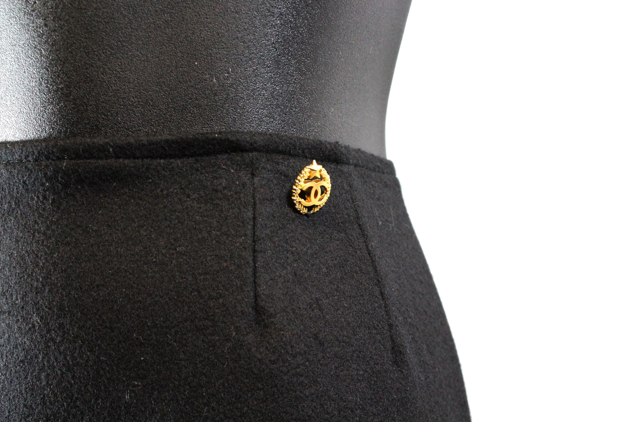 Chanel Black Cashmere Straight Skirt (Size 38) - Encore Consignment - 2