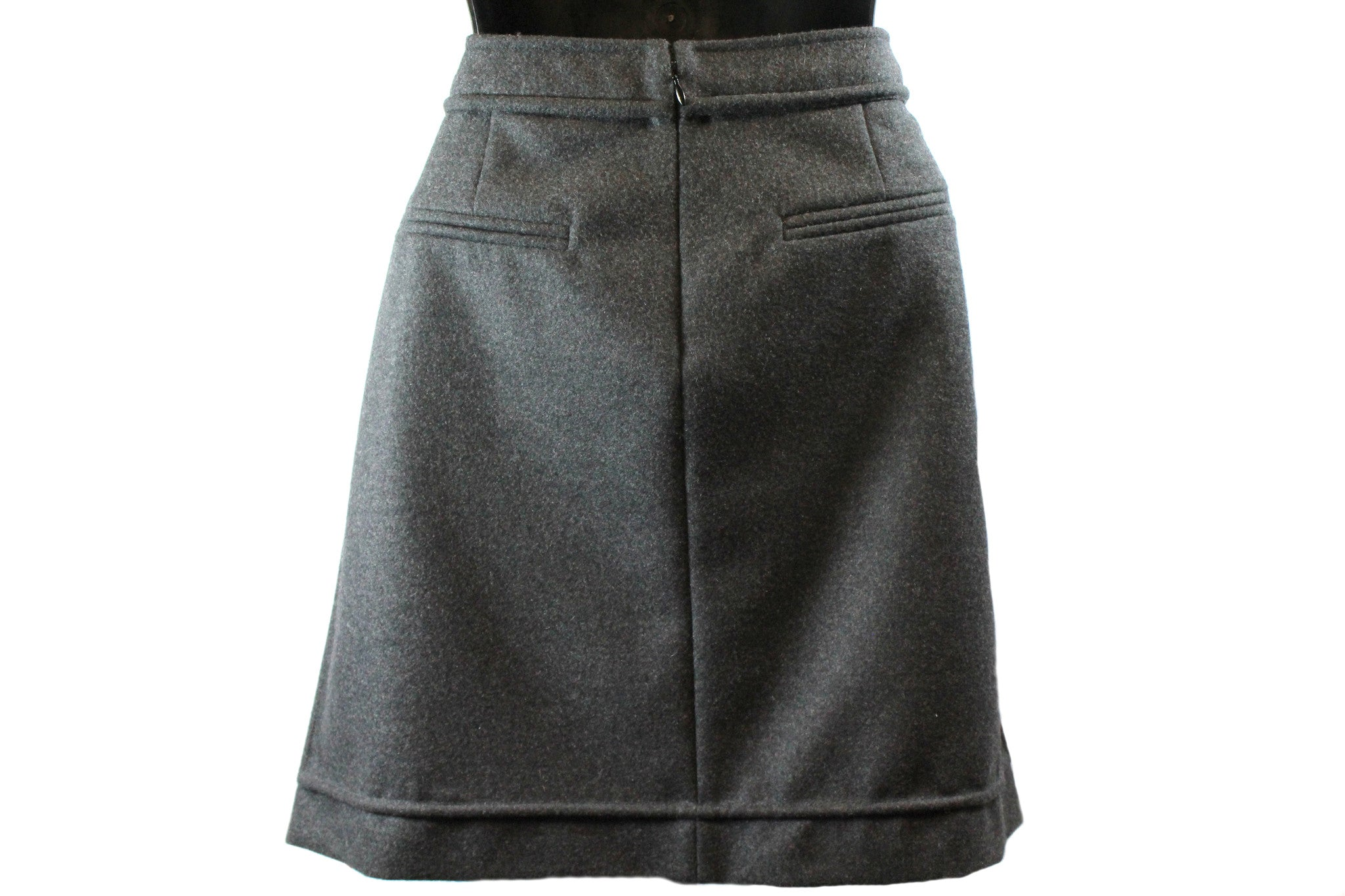 Chanel Wool Short Skirt w/ Tonal Piping (Size 46) - Encore Consignment - 4