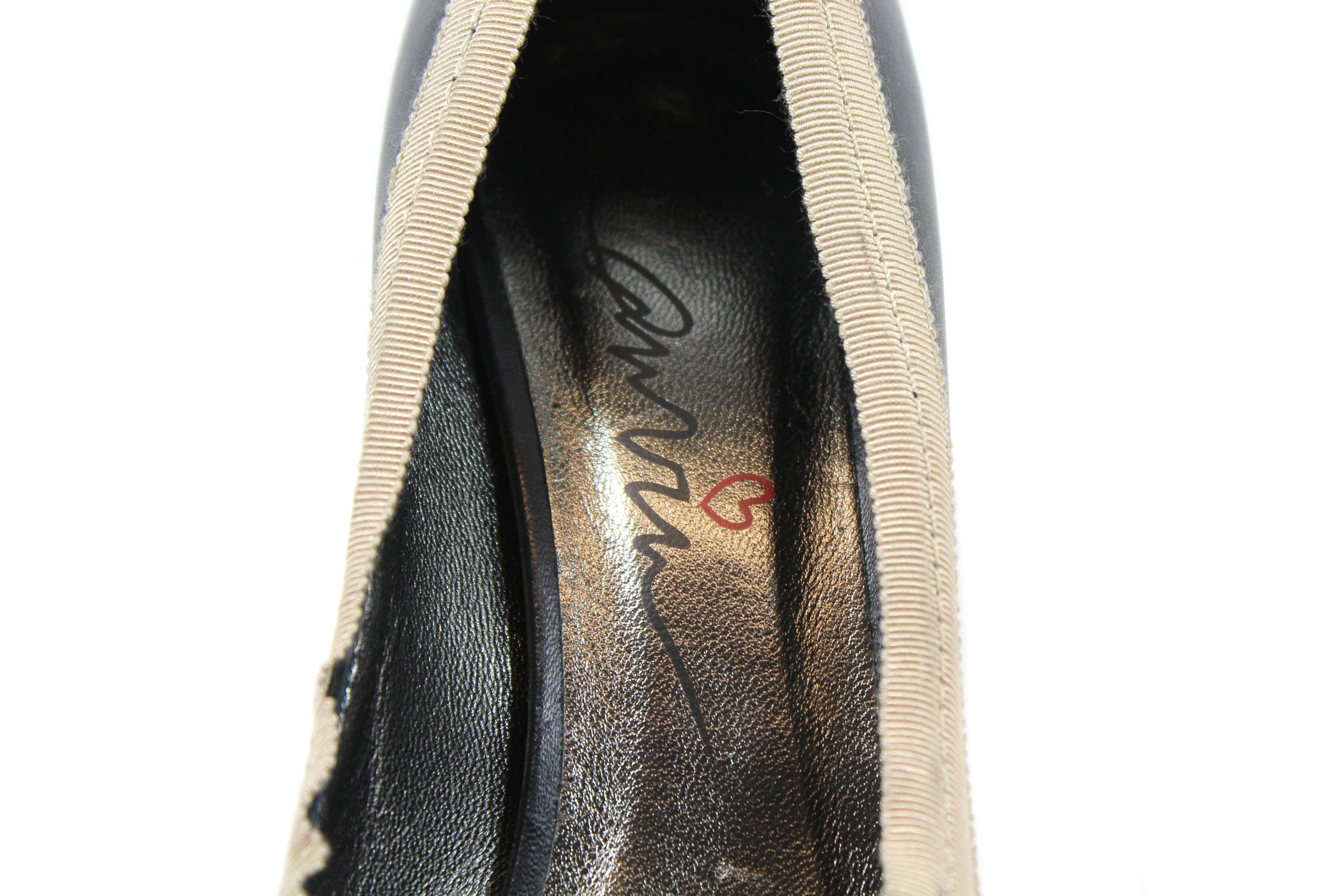 Lanvin Black Leather Peep Toe Pumps w Beige Grosgrain Trim (Size 39)