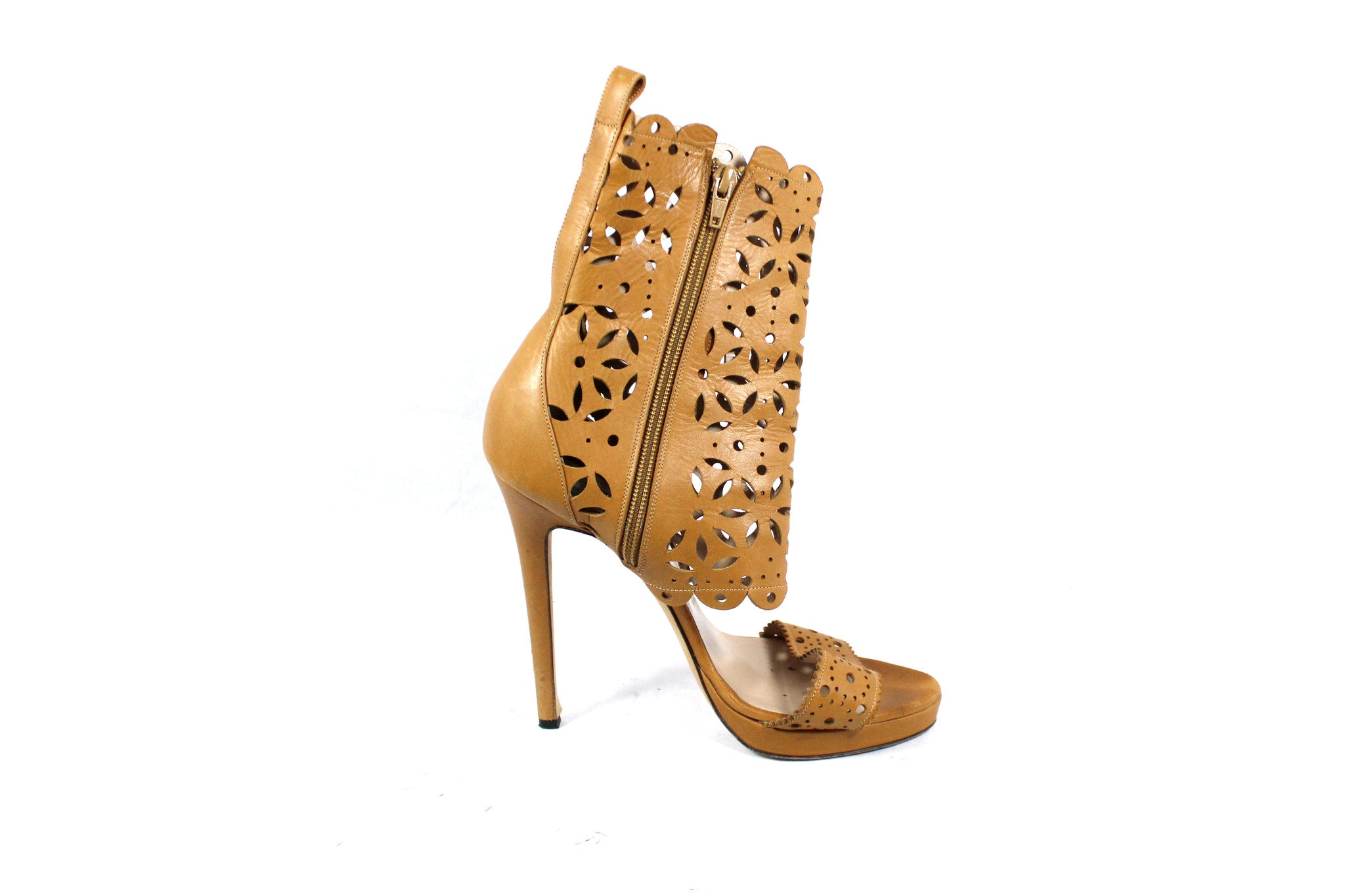 Oscar de la Renta Tan Leather Cut Out Sandals (Size 40) - Encore Consignment - 4