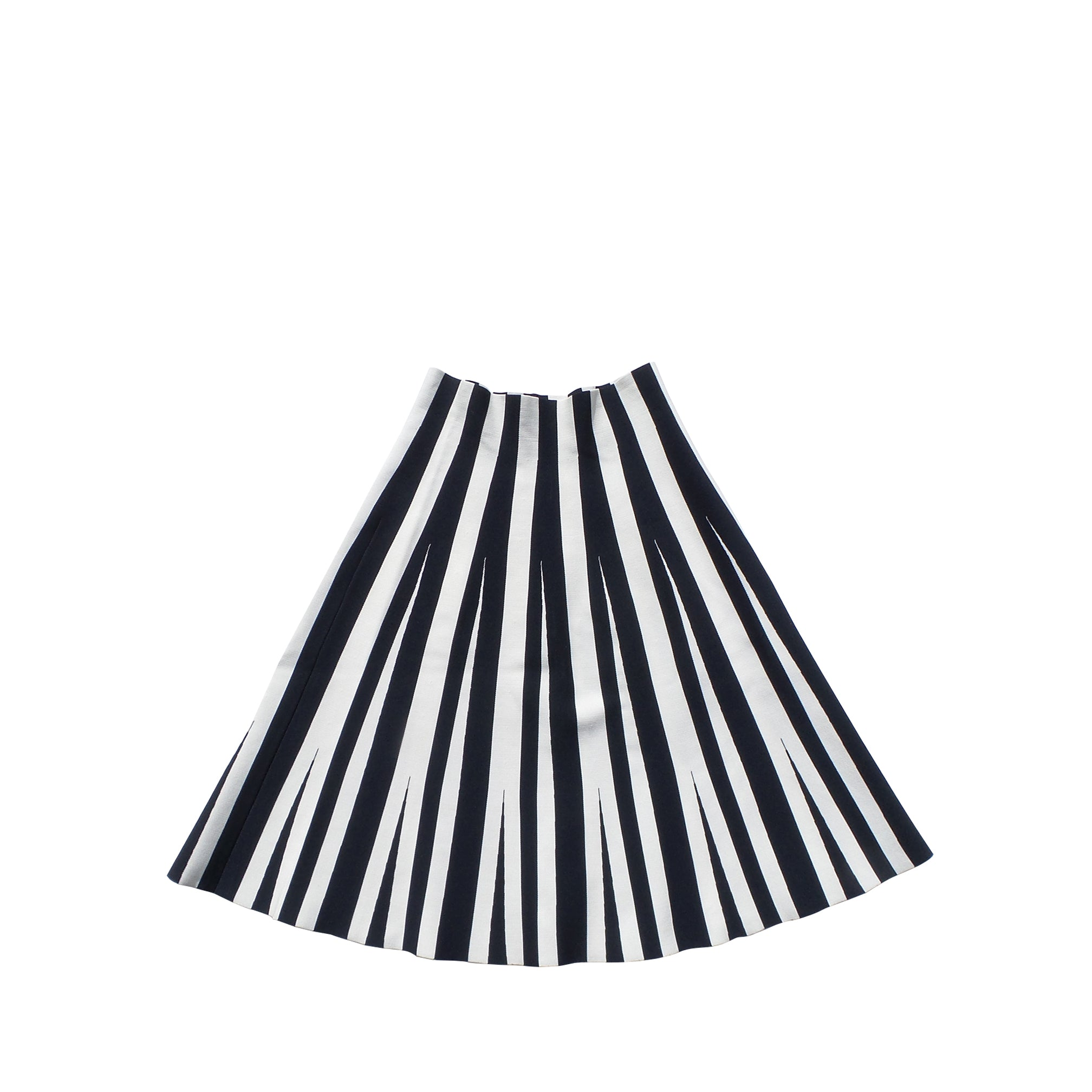 deb303a91a2082 What To Wear With A Black And White Striped Midi Skirt