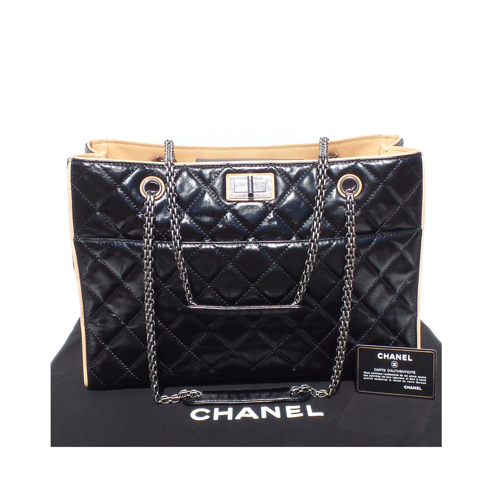 1dbe5d63fac2 CHANEL Black Glazed Quilted Leather Beige 2.55 Reissue Grand Shopping –  Encore Resale.com