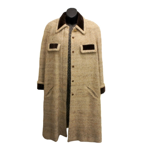 Chanel Vintage Beige Tweed Coat (Size M) - Encore Consignment - 12