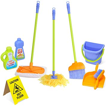 Kids' toy cleaning set