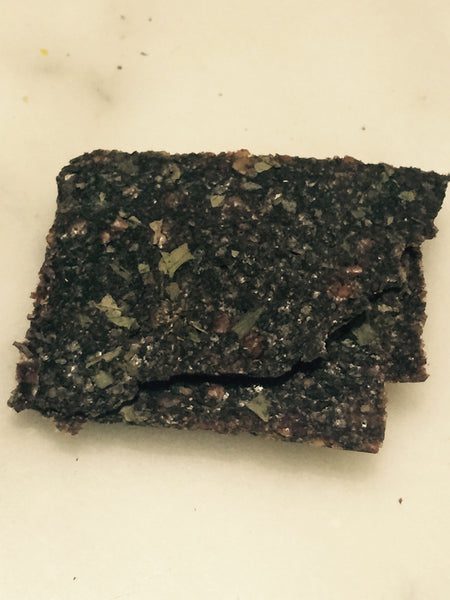 Biolicious Dehydrated Organic Raw Vegetable Crackers: Celery & Beetroot 104g