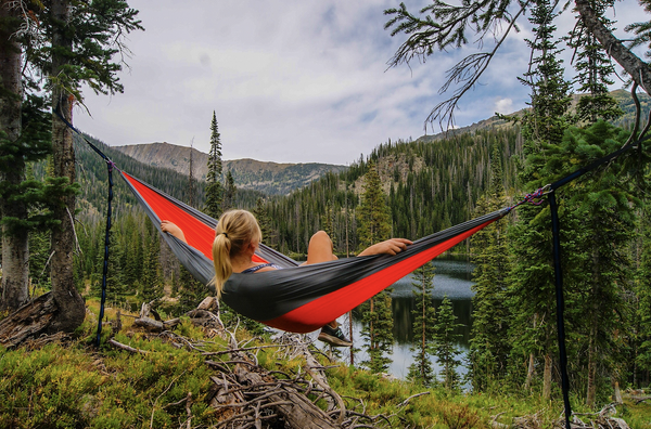 5 Reasons to Use a Hammock Instead of a Tent When Camping