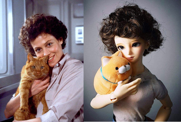 Ball joined doll cosplays as ellen ripley and jonesy