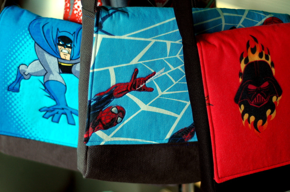 Superheroes & villains on messenger bags