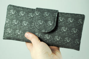 Xenomorph wallet-handmade geekery-Stellar Evolution Designs