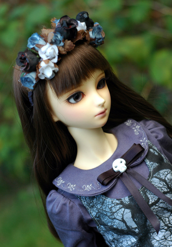 SD from Dreaming Dolls wearing Death's garden headband and outfit