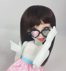 Momoni Nena02 Reira bjd posing with black small holo heart glasses made by stellar evolution designs