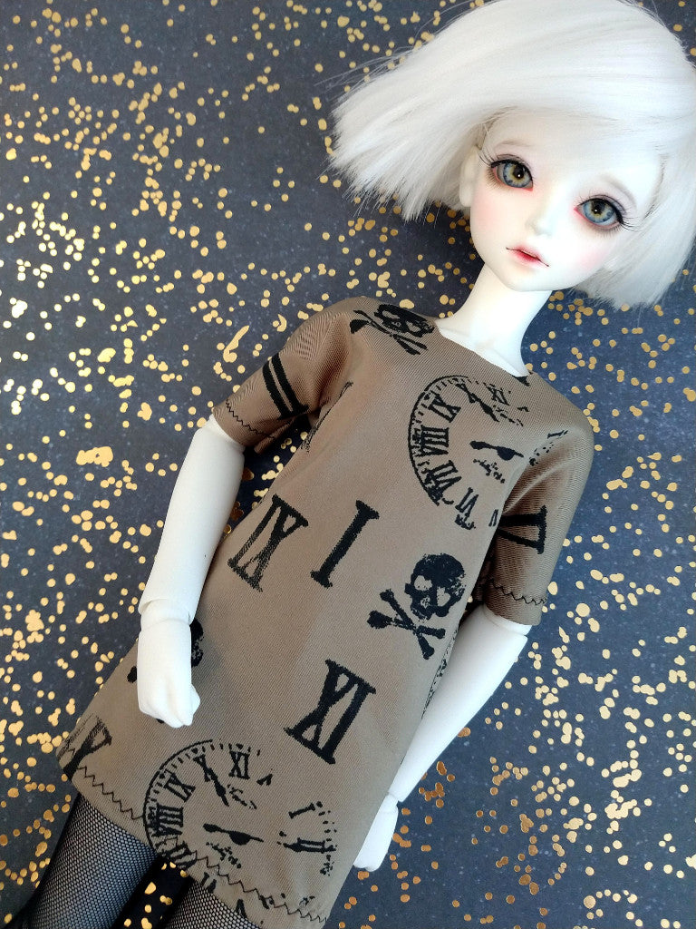 green and black oversized tshirt dress for bjd
