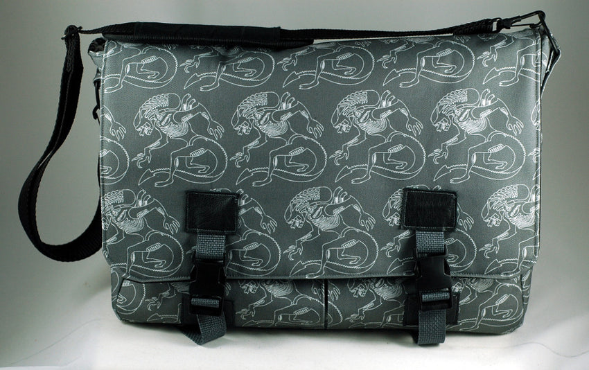 xenomorph alien laptop bag-handmade geekery-Stellar Evolution designs