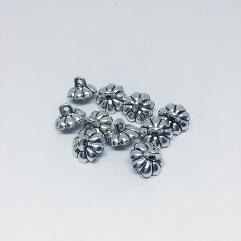 Findings- DAISY Egg Findings- Silver or Bronze 10mm 10Pcs
