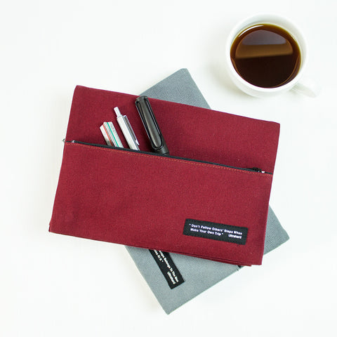 Ultrahard Classic Motto Snap Book Cover - Red