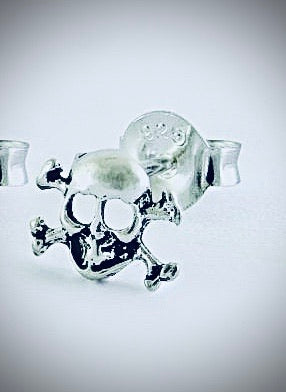 Kingsley Ryan -Silver Skull & Crossbones Ear Stud