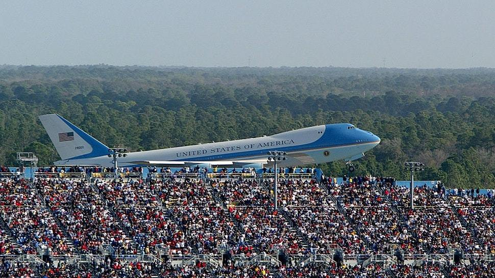 Trump Wows Daytona Speedway By Swooping Air Force One Over Race Crowd