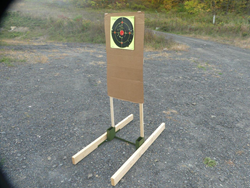 TARGET HOUND® Target Stand System for Paper and Steel Pistol Targets from HYSKORE®