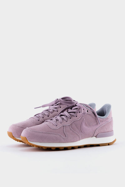 Womens Nike Internationalist SE Particle Rose