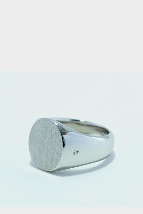 Tom Wood Oval Signet Ring Satin