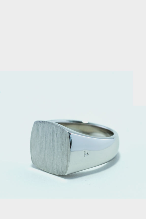 Tom Wood Cushion Satin Ring