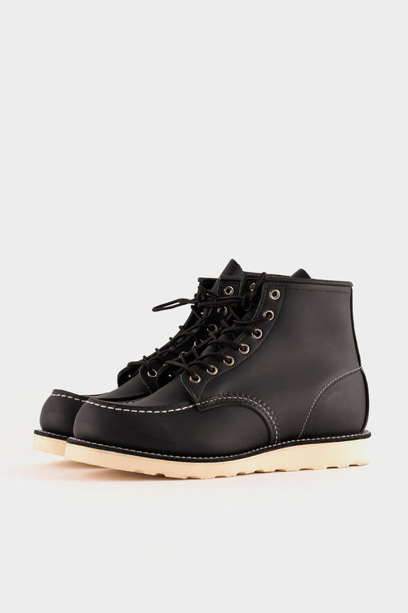 Red Wing Moc Toe Classic 8130 Boot Black