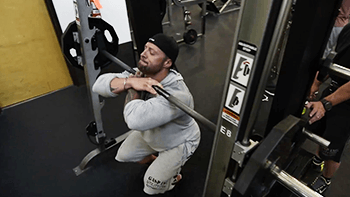 smith-machine-squat-b