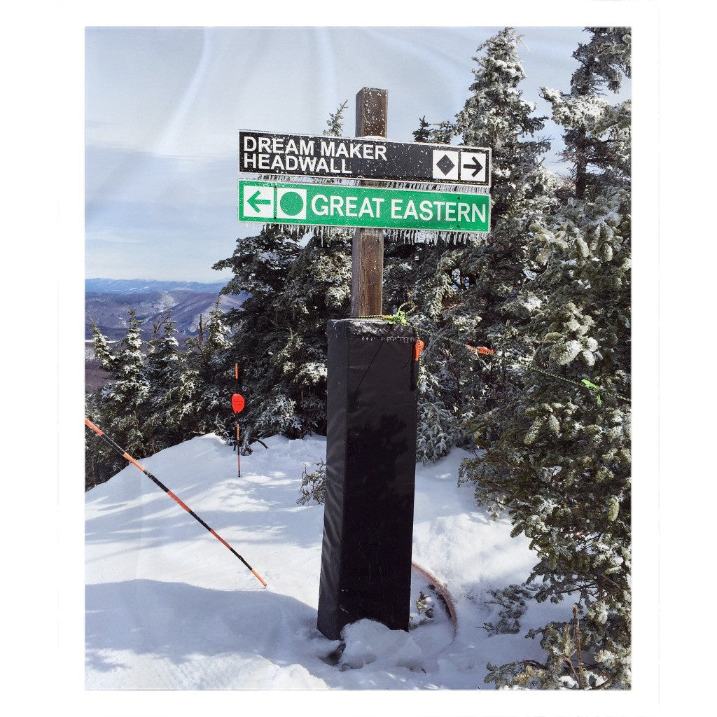 Skiing Trail Sign - Throw Blanket