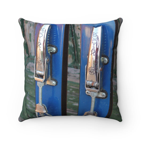 Kodiak Binding - Throw Pillow