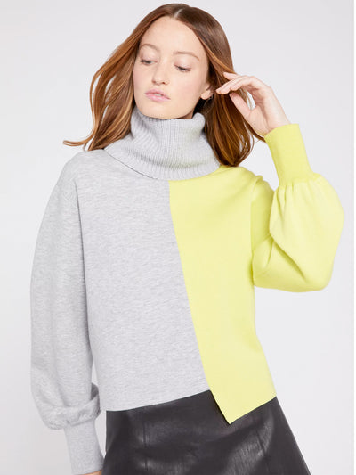 Alice + Olivia - Spencer Colorblock Turtleneck Sweater in Light Heather Grey/Sunny Lime
