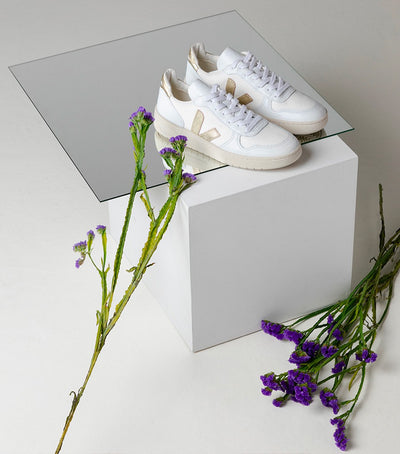 Veja - V10 BMesh Sneakers in White Gold