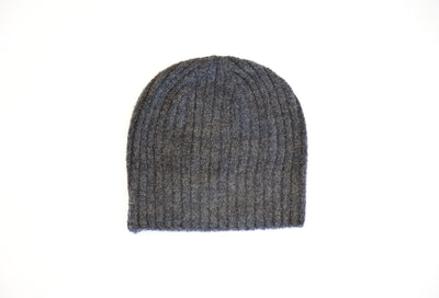 BAREFOOT DREAMS - Cozychic Lite Ribbed Beanie in Carbon/Black