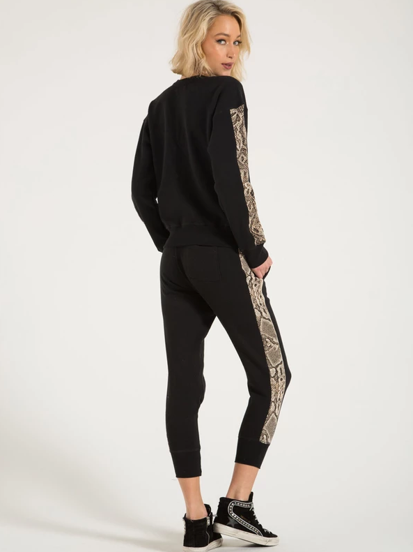 Philanthropy - Barkley Jogger in Sand Python