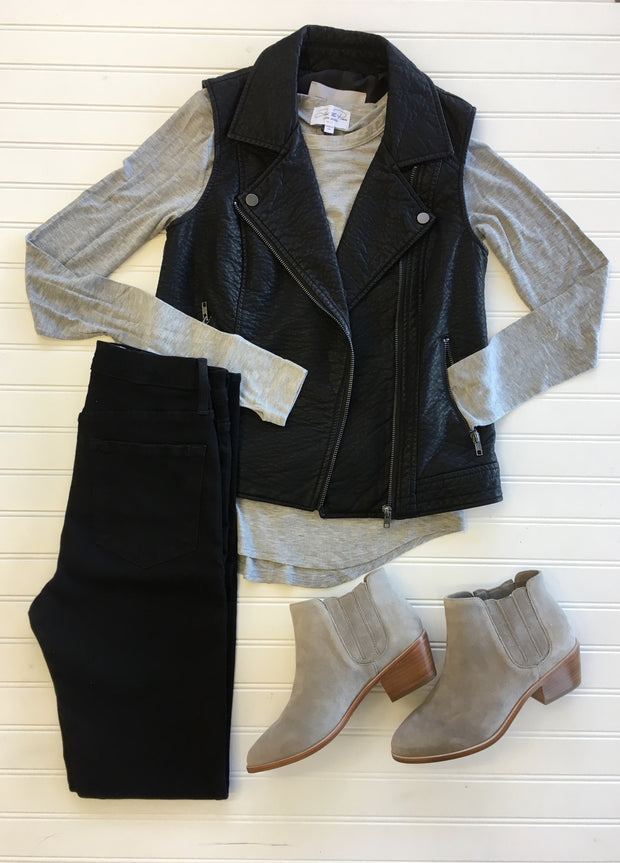 Cupcake & Cashmere Cupcakes and Cashmere - Bailey Vest Black at Blond Genius