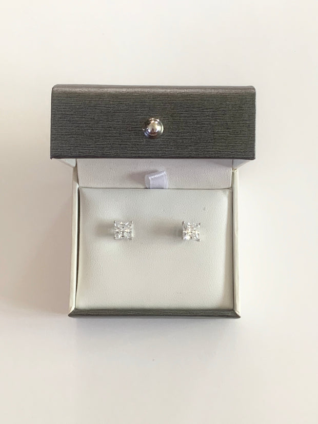 Crislu - Square Stud Earrings
