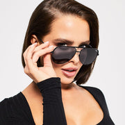 QUAY - High Key Sunglasses in Black/Smoke Lens