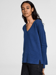 White + Warren - Forward Seam V Neck Cobalt Heather